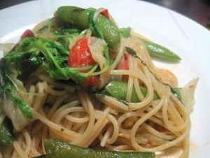 自家製アンチョビと旬野菜のペペロンチーノ